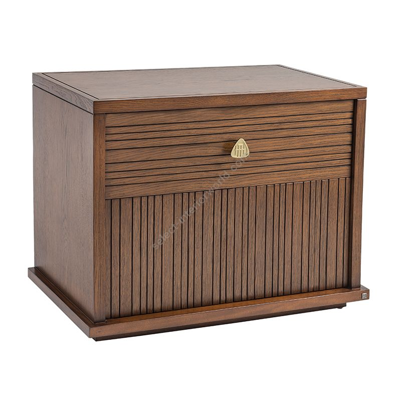 Medium wood finish / With handle H-013