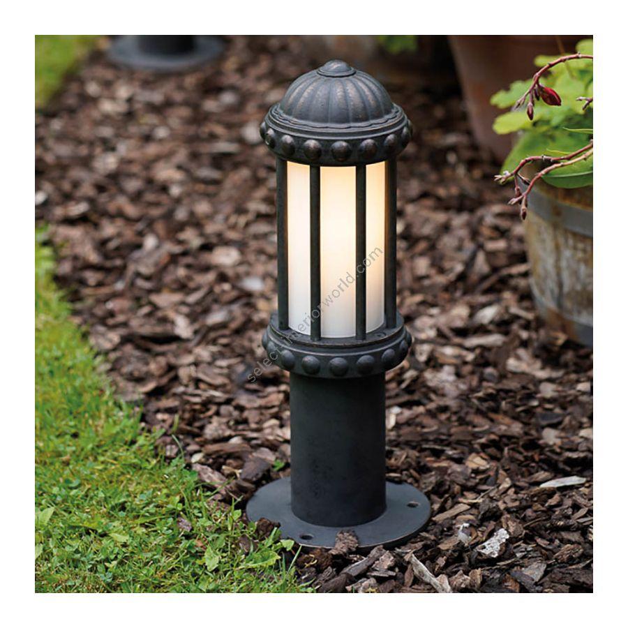 Pedestal lamp / Old copper finish