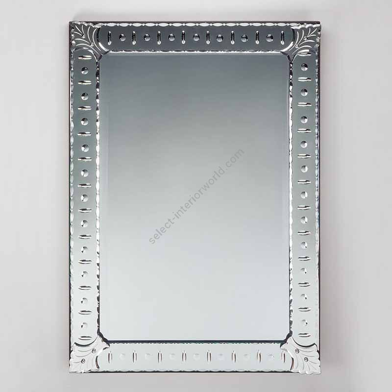 Mirror / Edged with engraved circular and oval decoration