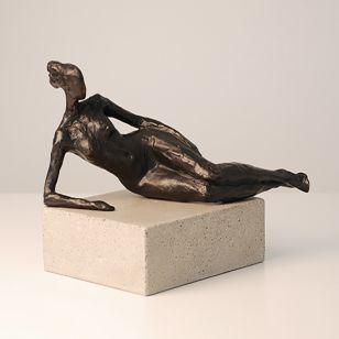 Tom Corbin / Author's sculpture / Seated Figure Study III S2370