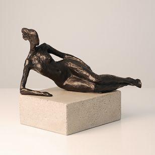 Tom Corbin / Author's sculpture / Seated Figure Study III S2370